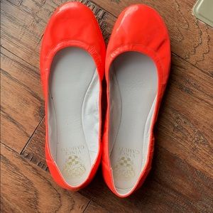 Vince Camuto s9 hot pink patent ballet flats